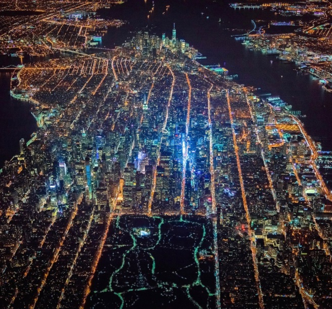 gotham-7-5k-photo-project-soars-above-new-york-at-night-4 (1)